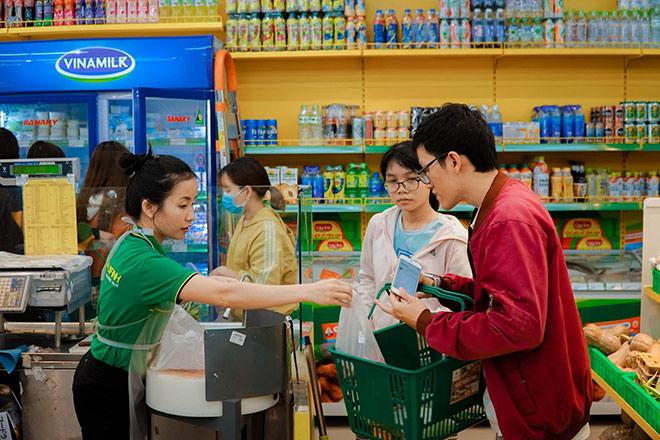 thi-truong-smartphone-bao-hoa-cac-ong-lon-phan-phoi-cong-nghe-chuyen-huong-sang-FMCG-1.jpg